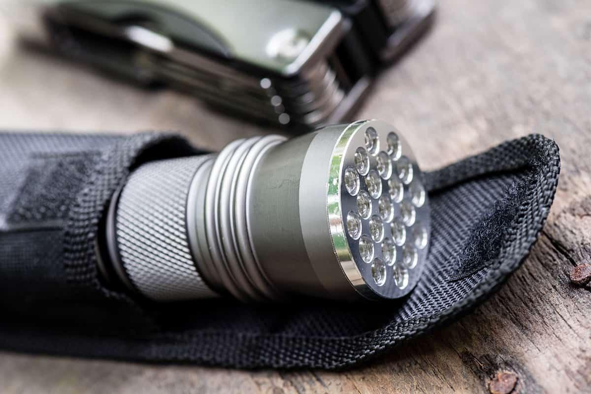 Shallow depth of field of EDC Pocket flashlight